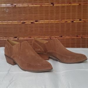 NWB Crown Vintage Booties